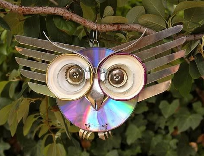 Top 10 things to make with cds for Something out of waste