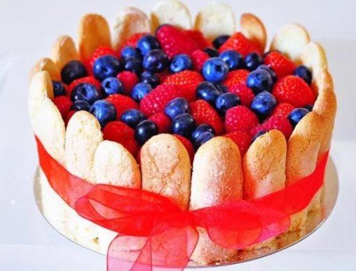 Strawberry charlotte (lady's finger) cake