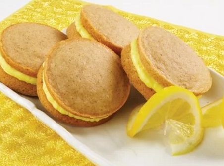 spiced whoopie pies with lemon crème