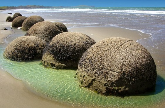 Top 10 Unusual and Strange Things to see in New Zealand