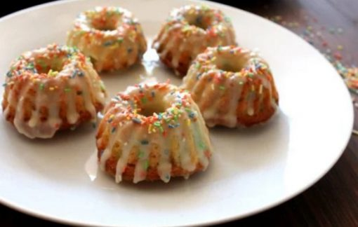 Funfetti Mini Bundt Cakes