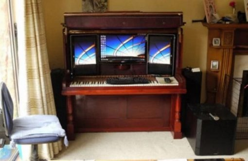 Piano Turned into PC case