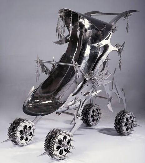 Bizarre Stroller 11
