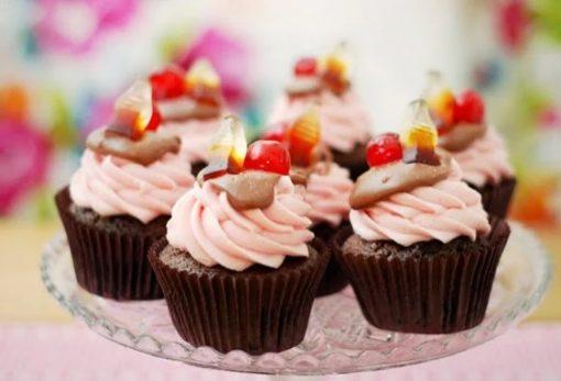 Cherry Coke Soft Drink Cupcakes