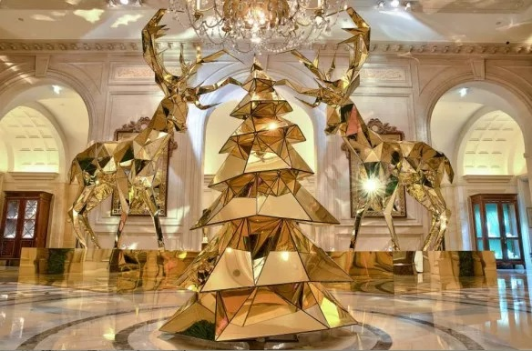 """Jeff Leatham's """"Sexy Golden Reindeer's"""""""