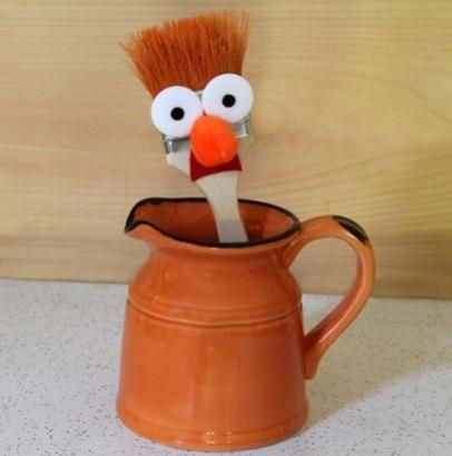 Recycled Paint Brushes Turned into Muppet