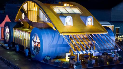 Top 10 Amazing Restaurants inside Vehicles