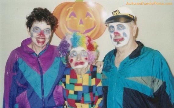 Top 10 Awkward Family Halloween Photos