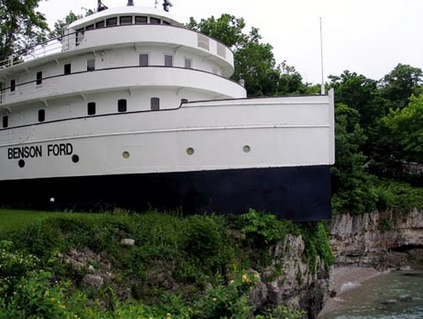 Top 10 Crazy Inland Ship & Boat Houses