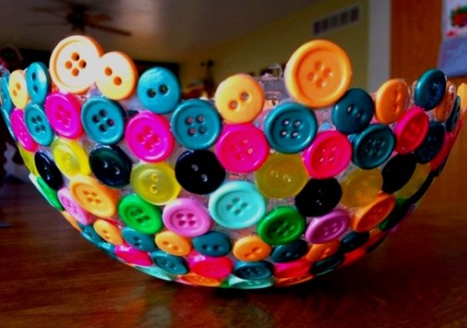 Top 10 things to make with clothes buttons for Things to make out of recycled items