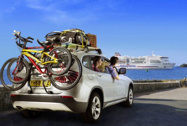 Top Ten Pros and Cons of Travelling by Car