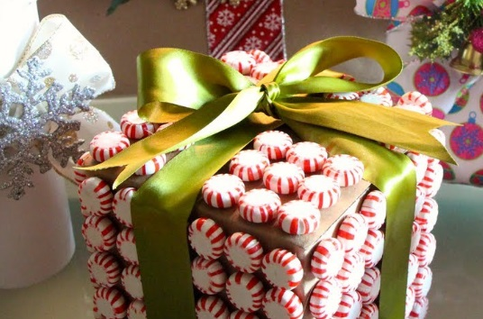 Ten Things You Can Use to Wrap Christmas Presents