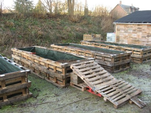 Old Wooden Pallet Transformed Into a Raised Garden