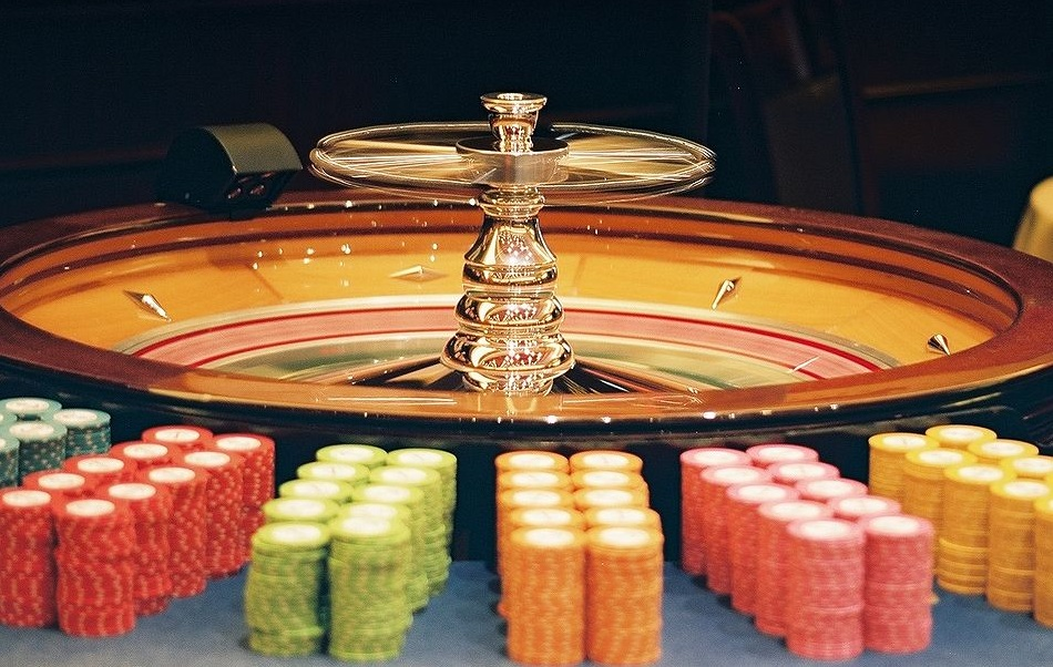 Ten Amazing Facts and Figures About Casino Croupiers and Dealers